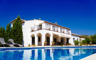 Photo for Beautiful rural Cortijo with large pool and breathtaking views