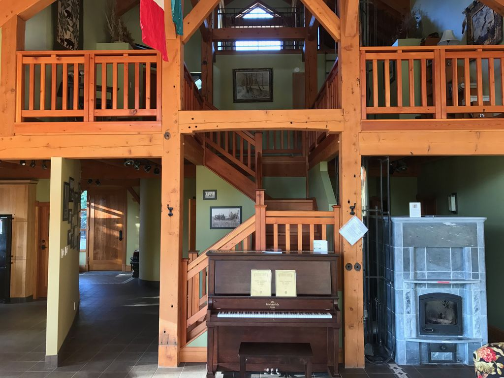 Luxury Timber Frame Chalet, Fernie Alpine Resort, Ski in/Out, Fernie ...