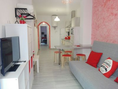 Photo for Central 2 bedroom apartment completely renovated with private patio