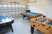 Modern Luxurious Vacation Home - Private SF Pool, Games Room, WiFI