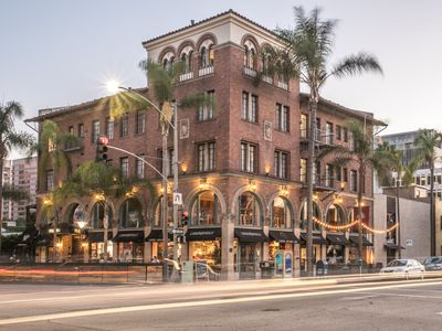 Photo for Spectacular 2-Bedroom Suite-Charming Historical Boutique Hotel next 2 Convention