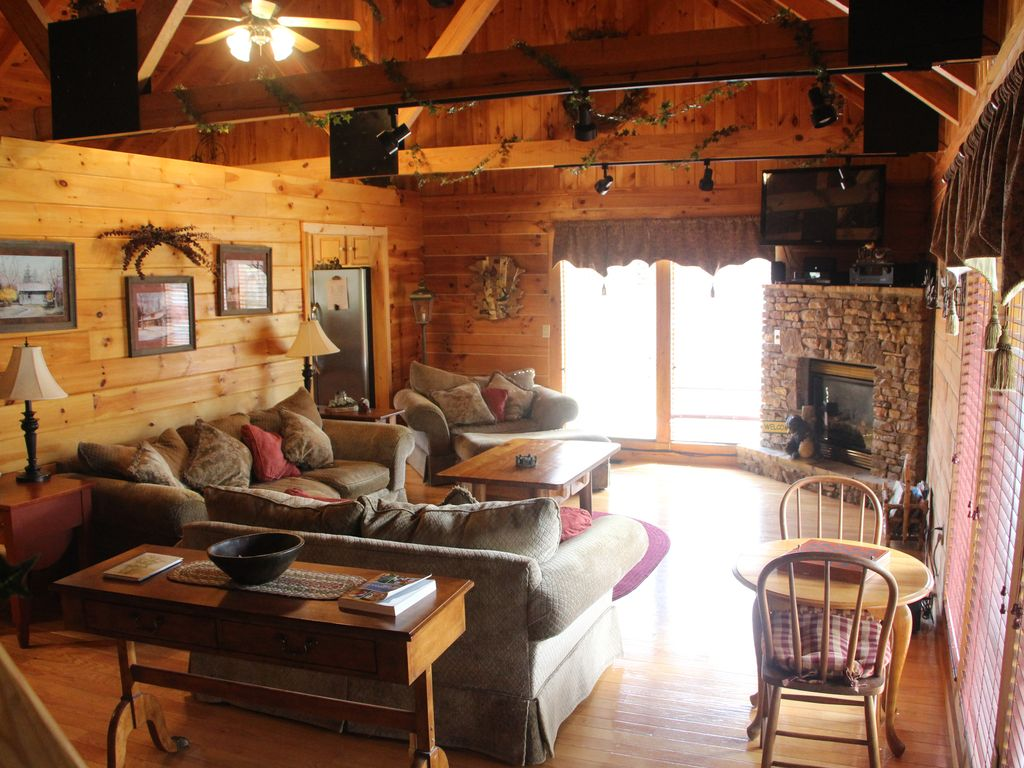 Property Image#7 Log Cabin Vacation Rental In Jamestown, Tn