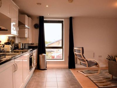Photo for 2 Bedroom Apartment Near the O2 Arena