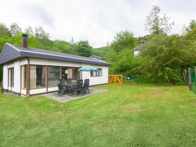 Photo for 6-person dog bungalow in the holiday park Landal Wirfttal - in the mountains/rolling countryside