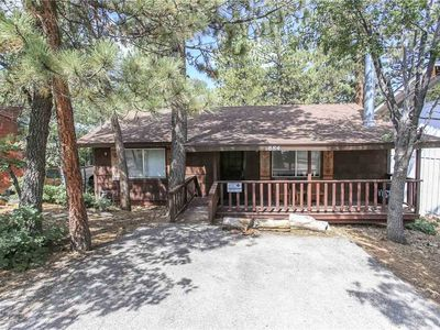 Photo for Granny's Love Shack -2BR/1BA/ WiFi/Steps to the National Forest/FREE 2 hour Bike/Kayak Rental!