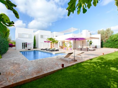 Photo for Villa Patxi is a modern villa with a fantastic pool, 5 min drive  to Playa Den Bossa and Ibiza Town