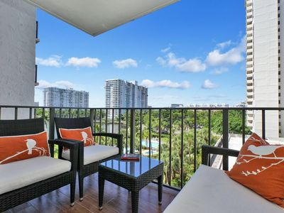 Photo for Gorgeous 2 Bedroom Condo, 2 Full Baths, In Prime Location Next to William Island