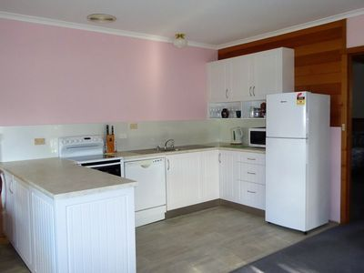Photo for Platypus Park Country Retreat - Pipers 2br s/c Apartment