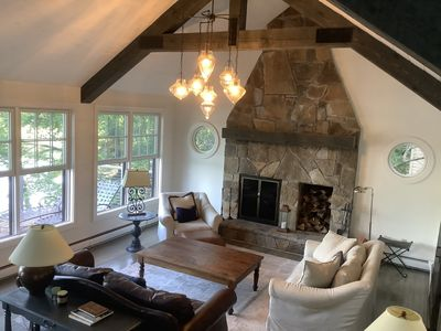 Stunning Lakeside home - ideal family getaway or work from home spot