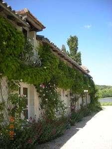 Photo for Poitou, House in the countryside in a quiet and relaxing environment.