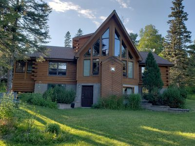 North Shore log cabin home overlooking Lake Superior