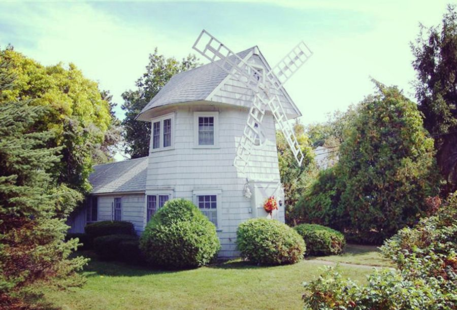 Quintessential cape cod windmill beach cottage private water access kayak tennis