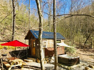 Wondrous Beaver Creek A Tiny House Experience With Own Hot Tub And Affordable Rate Newport Download Free Architecture Designs Estepponolmadebymaigaardcom