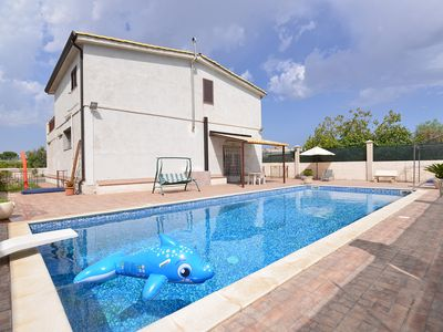 Photo for Less than one kilometre from the town centre of Floridia, a beautiful villa within1.000 square meter