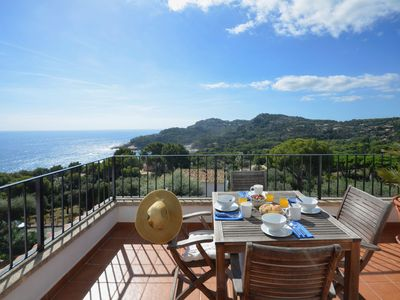 Photo for Amazing top floor apartment situated in a tranquila comunity with lovely gardens and swimm
