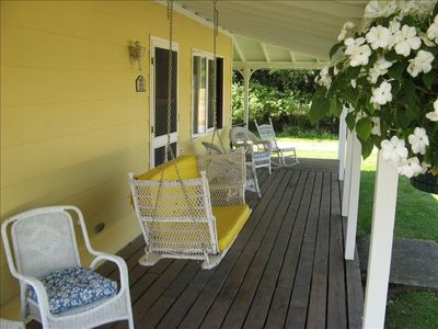Scratch Pad front porch swing