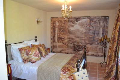 Guest Room overlooking garden, with beautiful views of the forest and vines