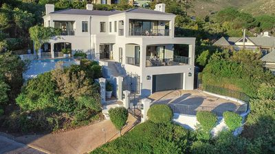 Photo for Luxury Residence On Millionaires Mile Hout Bay Sleeps 8