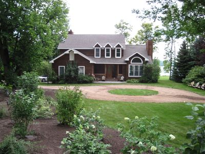 Paradise - Beautiful Beachfront Home On Crystal Lake - Now Booking SS '20!