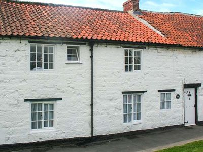 Photo for KEEP COTTAGE, pet friendly, with open fire in Pickering, Ref 904784