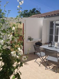 Photo for SOUTH LA ROCHELLE HOUSE NEAR THE SEA AND BEACHES