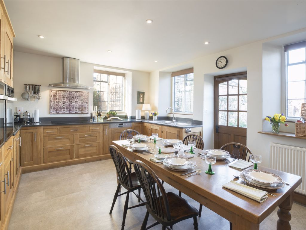 3 Double Bed Classic Cotswold Cottage in central ... - 8519135