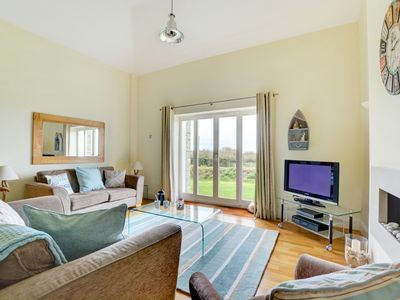 Photo for Pen-Y-Les - Three Bedroom House, Sleeps 6