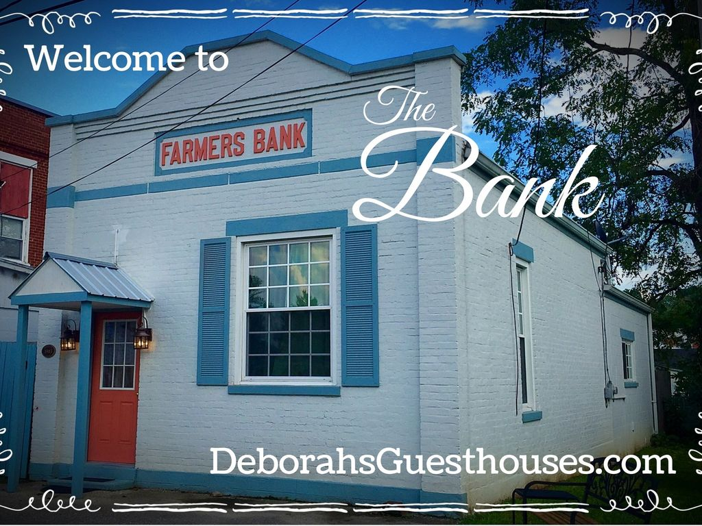 Historic Bank Lodging Near The Creation Museum And Ark Encounter Share Petersburg Ky