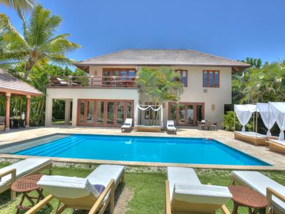 Photo for Lavish and neat villa with golf views and privacy