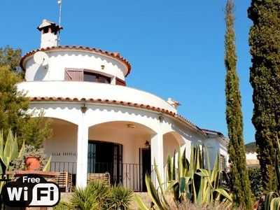 Photo for 4 bedroom Villa, sleeps 8 in Calonge with Pool and WiFi