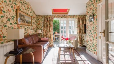 Photo for Traditional and Colourful 2BR Garden Flat in Parsons Green