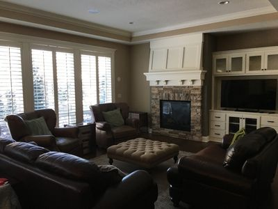 Photo for Superbowl 2018! 15 min downtown MSP 494/394 Carlson Pkwy area, 5 min to Wayzata
