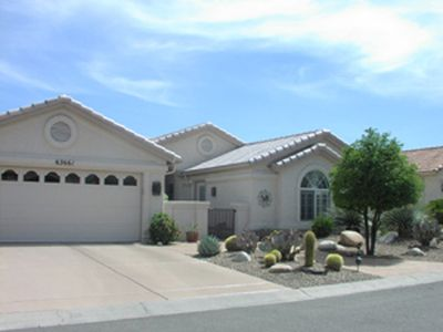 Nice Home, Casita attached in Front.  Private Entrance and Courtyard.