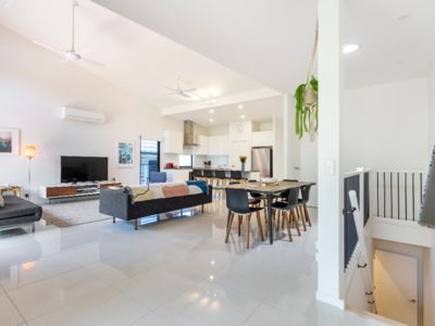 "Photo for ""Melia"" - Stylish and Spacious Noosa Apartment"