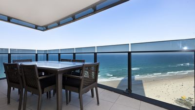 Photo for Surfers Paradise Oceanfront