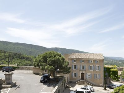 Photo for 3 bedroom apartment with a pool in the heart of Bonnieux, Luberon