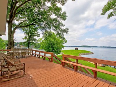 Photo for Beautiful Lake Front Home On Great Water!!