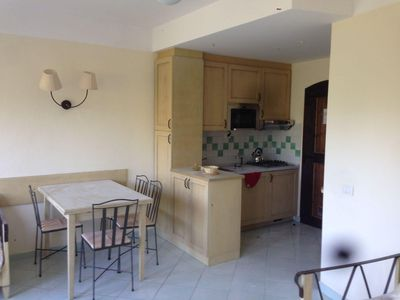 Photo for Calarossa Holiday Home V apartment in Canneddi with private parking & private roof terrace.