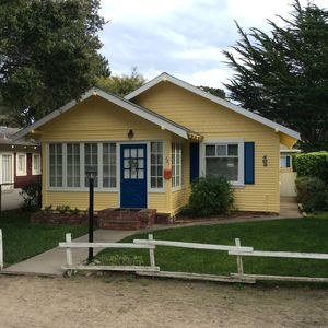 A Charming Pacific Grove Cottage - One of the regions best monthly values!