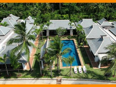 Photo for Maenam 3089 - Beachfront luxury with Thai chef service and shared gym
