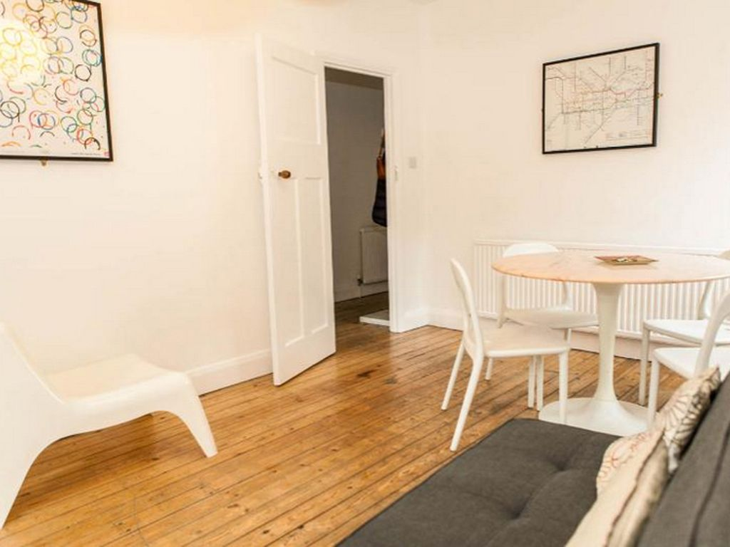 City of London & Canary Wharf: Morden 2 bedroom apartments in ...