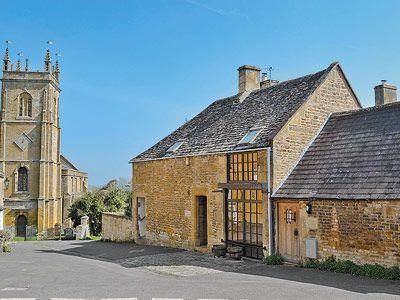 Photo for 1 bedroom property in Chipping Campden. Pet friendly.