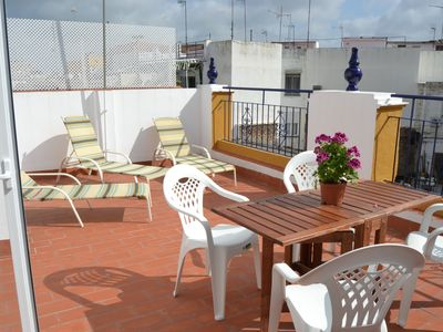 Photo for Spectacular penthouse next to the ceramics museum and triana bridge