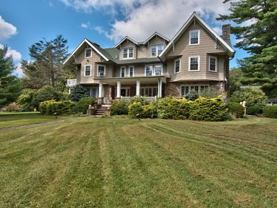 Photo for Private 26-acre estate with pool, tennis court,  pond and comfiest beds!