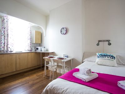 Photo for 1BR Apartment Vacation Rental in London, Greater London