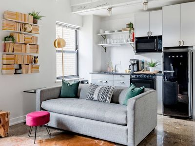 Photo for Allegro - Gorgeous One Bed in Uptown by Short Stay