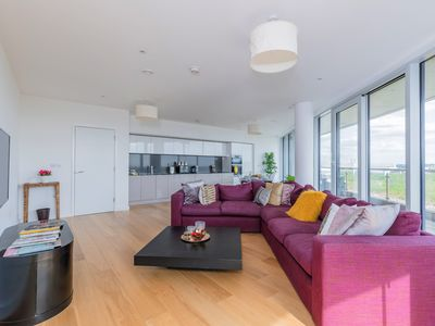 Photo for ★ PENTHOUSE 2BR 2BTH ★ Chiswick Park ★