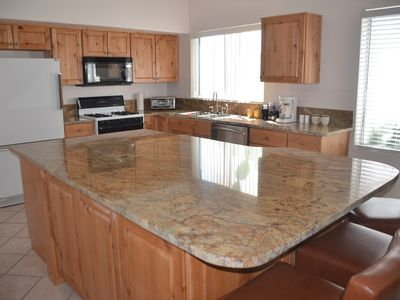 Comfy 3 BR 2 BA Home near Sabino Canyon, Granite 4x8 Eat In Island in Great Room