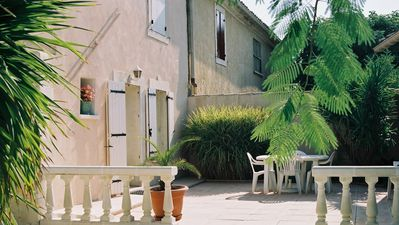 Photo for Fully furnished Provençal house near Avignon and Nîmes