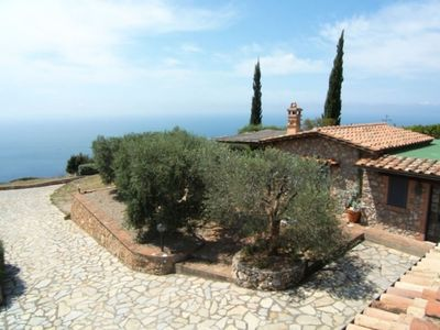 Photo for Wonderful  villa for 5 guests with WIFI, TV, patio, pets allowed, panoramic view and parking